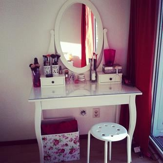 kelly caresse | makeup tafel ikea hemnes, Deco ideeën